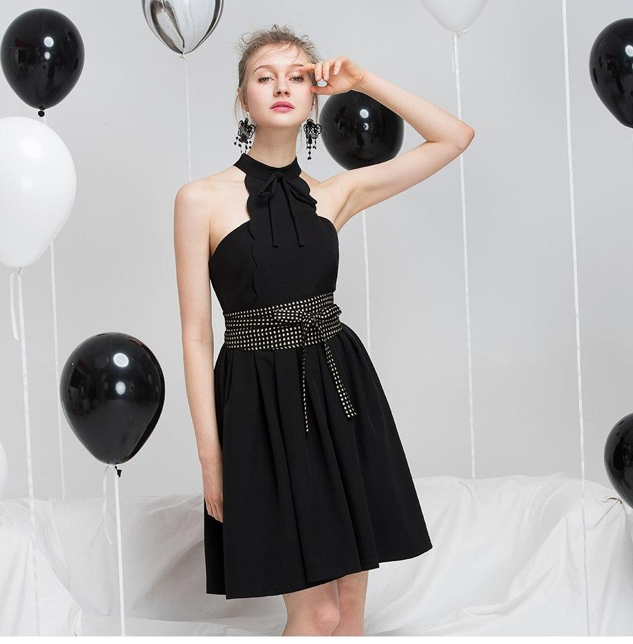 Sexy Black Halter Lace Up Party Dress