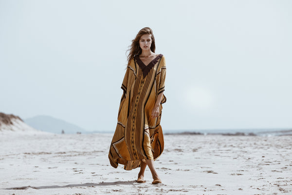 ROLLER KAFTAN IN GOLD DECO