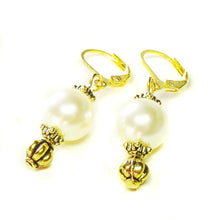 Load image into Gallery viewer, Classic Swarovski Cream Pearl & Gold Earrings