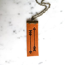 Load image into Gallery viewer, Sketched Arrow Leather Diffuser Necklace