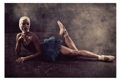 Jacques Weyers - Black Swan 04 - Ballet dancer posing