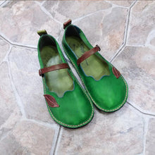 Load image into Gallery viewer, Retro Leaf Decor Loafers