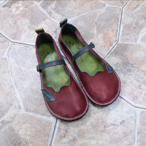 Retro Leaf Decor Loafers