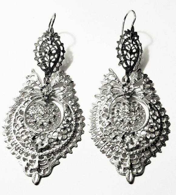 Queen Style Earrings