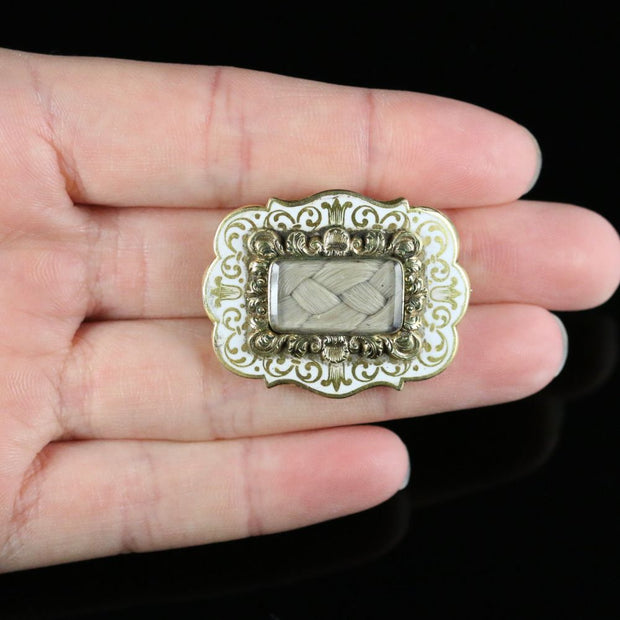 ANTIQUE VICTORIAN CHILDS MEMORIAL BROOCH WHITE ENAMEL CIRCA 1880