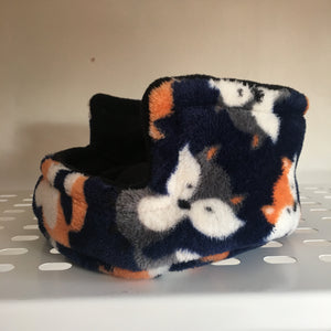 Piggie Snug SMALL - Foxes with Black Fleece