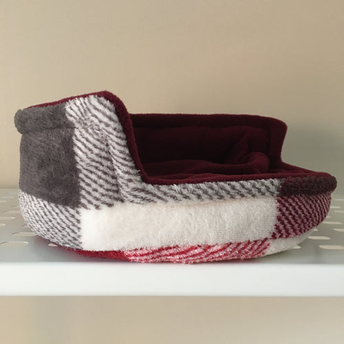 Piggie Snug MEDIUM - Burgundy Check with Wine Fleece