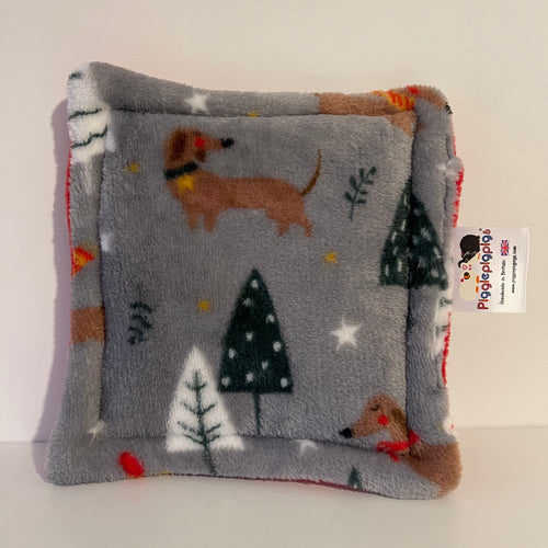 Christmas 2020 Bottle Pad - Dachshunds with Red Fleece