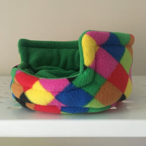 Piggie Snug SMALL - Elmer with Green Fleece