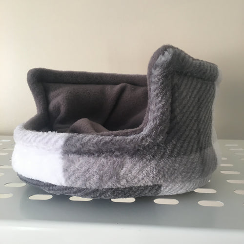 Piggie Snug SMALL - Grey Tartan with Grey Fleece