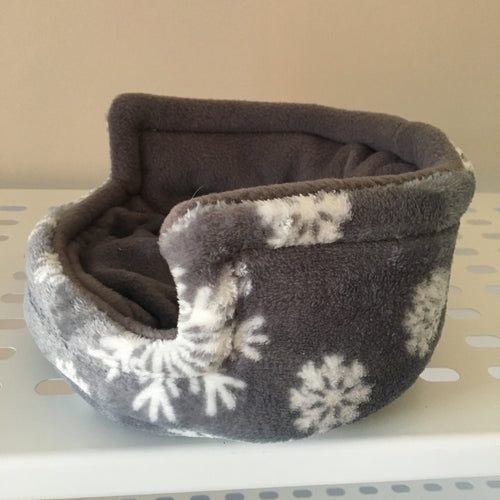 Piggie Snug SMALL - Snowflakes with Grey Fleece