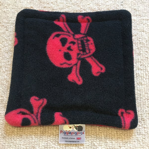 Bottle Pad - Skulls with Red Fleece