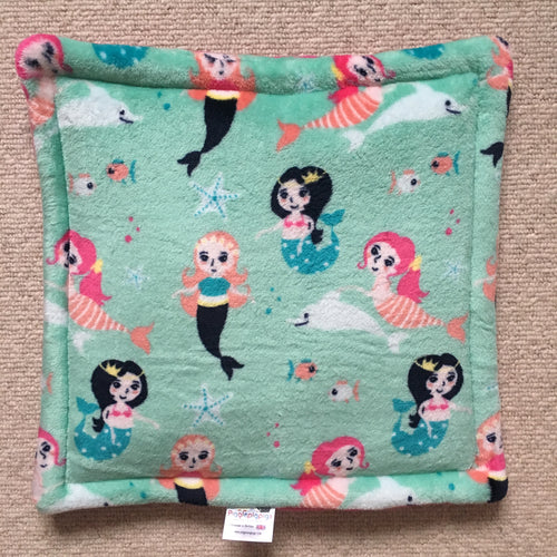 Lap Pad - Mermaids with Hot Pink Fleece