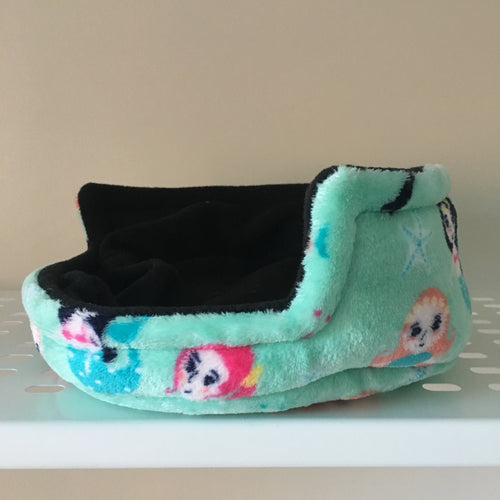 Piggie Snug MEDIUM - Mermaids with Black Fleece