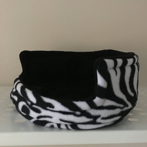 Piggie Snug MEDIUM - Zebra with Black Fleece