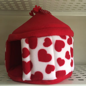Valentines 2020 Pigtop - Hearts with Red Fleece