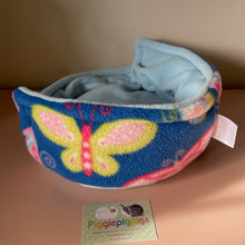 Load image into Gallery viewer, Piggie Snug MEDIUM - Butterfly with Light Blue Fleece
