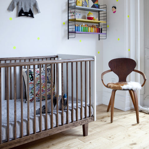 Rhea crib walnut