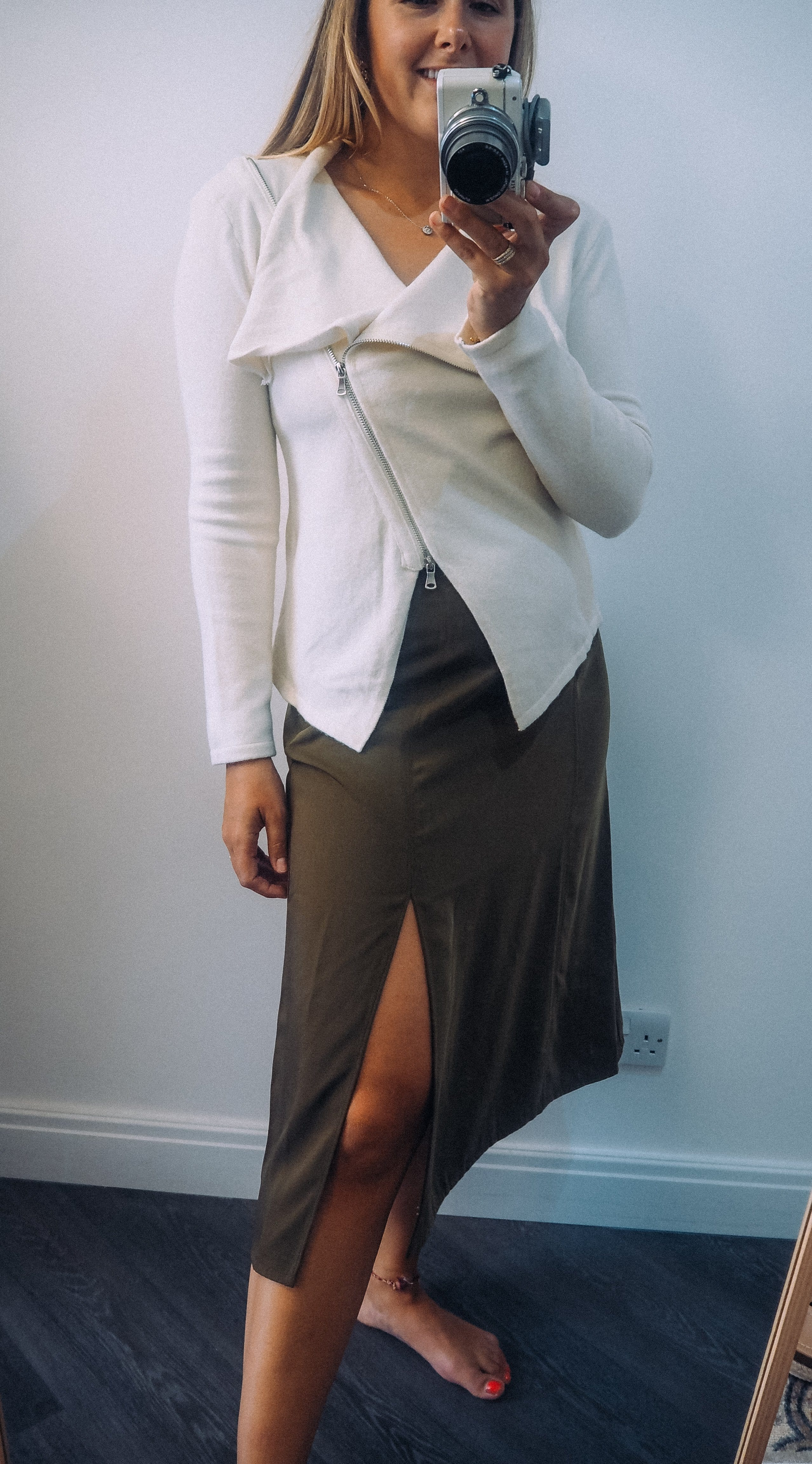The Fia Olive skirt