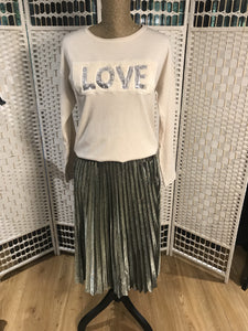 Cream love top