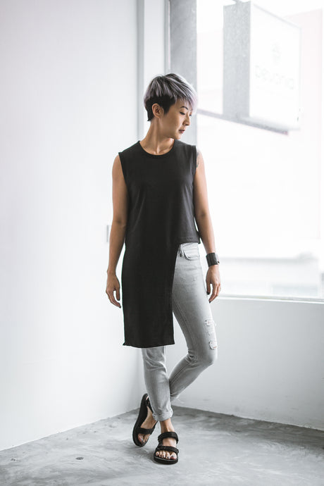 Evy Asymmetrical Sleeveless Top - Black