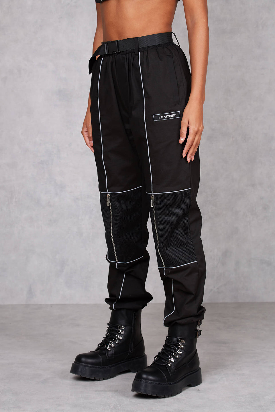 Womens Privilege Cargo Pant - black
