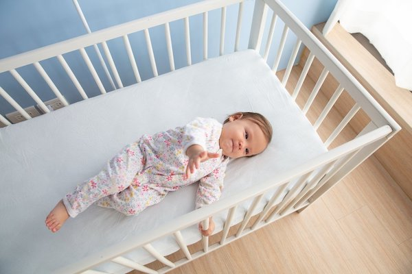 5 Key Safety Requirements for Safe Crib Set-Up