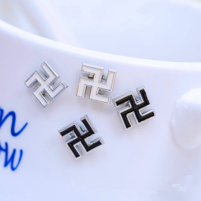 Hot Sale 2018 New Geometric Clip On Earrings Black White Boys Earcuff Brinco Dragao Earrings Clip On