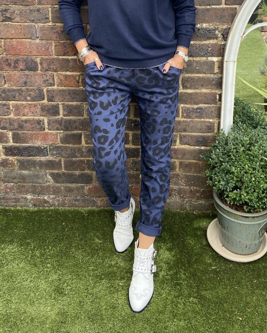 Magic Stretch Joggers in Navy Leopard