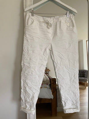 Magic Stretch Four Pocket Joggers in White