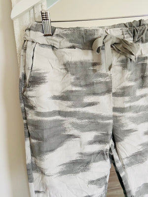 Magic Stretch Joggers in Marbled Grey