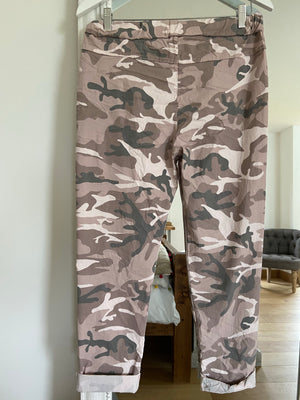 Super Stretch Joggers in Baby Pink Camo