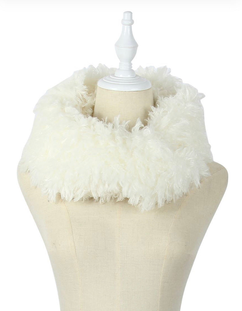 Soft Fluffy Snood in Ivory