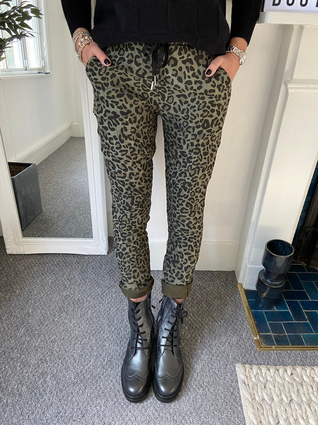 Magic Stretch Khaki Leopard Joggers