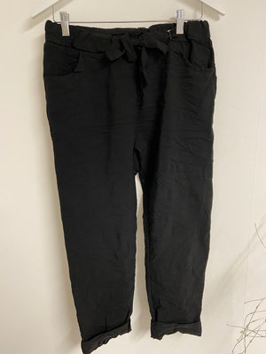 Magic Stretch Joggers in Black