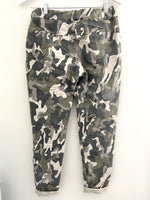Magic Stretch Joggers in Camo