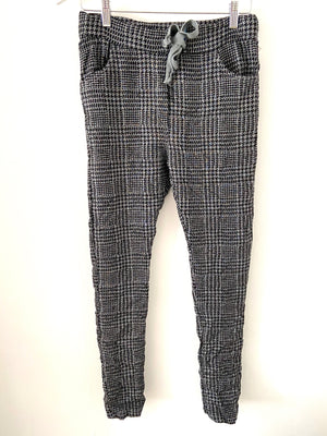 Dog Tooth Joggers in Grey