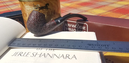 Kaywoodie Relief Grain Bent Billiard Saddle Stem Pipe