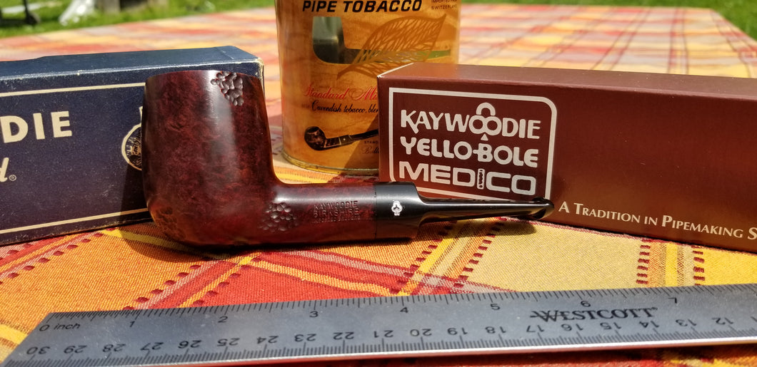 Kaywoodie Birkshire Large Chubby Billiard Pipe Spot Carved