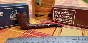 Kaywoodie Relief Grain Saddle Zulu Pipe