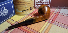 Load image into Gallery viewer, Kaywoodie Connoisseur Bulldog Pipe