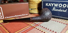 Load image into Gallery viewer, Kaywoodie Relief Grain Apple Pipe