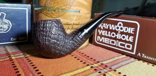 Kaywoodie Relief Grain Author Pipe
