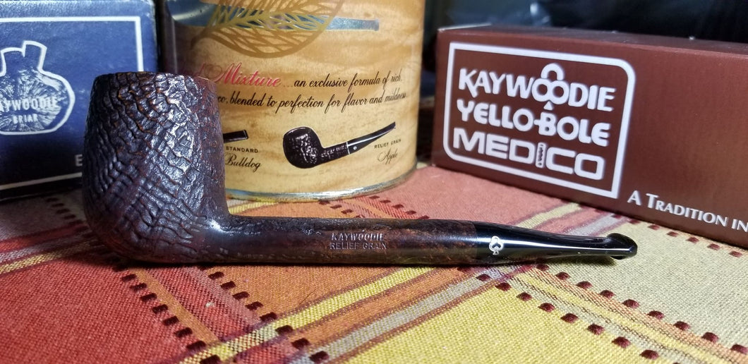 Kaywoodie Relief Grain Canadian Pipe
