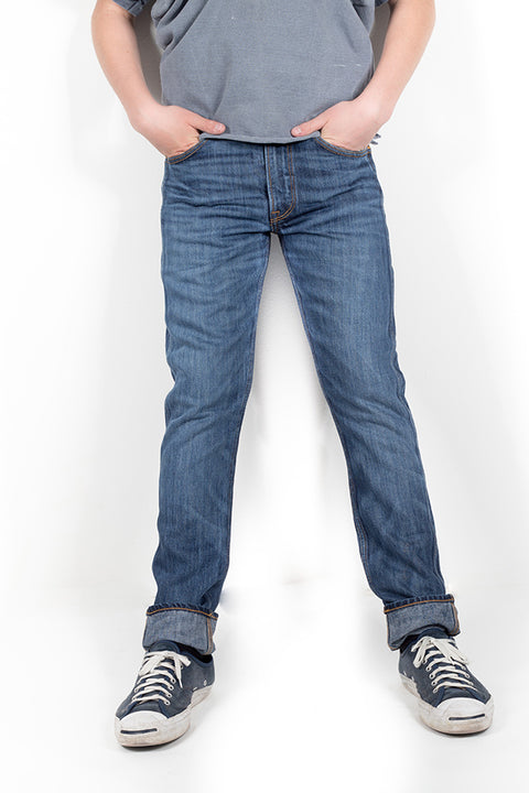 front view of bjork zero cotton jeans in indigo 88 days finish by redew