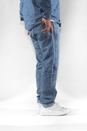 side view of ravin zero cotton jeans in indigo 123 days finish by redew