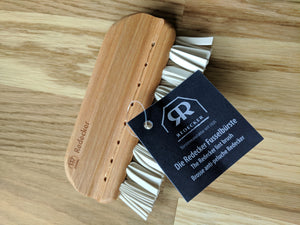 plastic free wooden lint brush