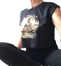 Laden Sie das Bild in den Galerie-Viewer, crop top buddha shirt