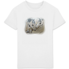 Laden Sie das Bild in den Galerie-Viewer, Kids T-Shirt Horses