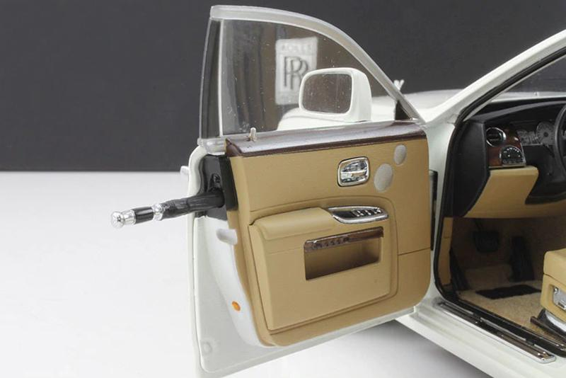 1/18 Kyosho Rolls-Royce Ghost (White) Diecast Car Model